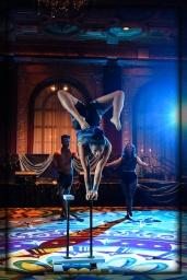 Acrobat Jenay Espinosa of EM Cirque