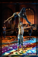 Acrobats Mod Plank and Alexander Plank of EMCirque