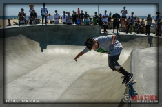 """Oscar Loreto performs at Life Rolls On """"They Will SKATE Again"""""""