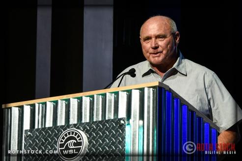 Ian Cairns presents the Surfline Best Overall Performance Award