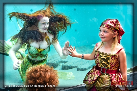 Catalina Mermaid greets Pirate Emily