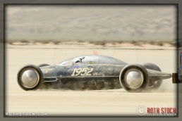 Driver Bobby Green of Old Crow H&H Freewheelers on his 86.033 mph run